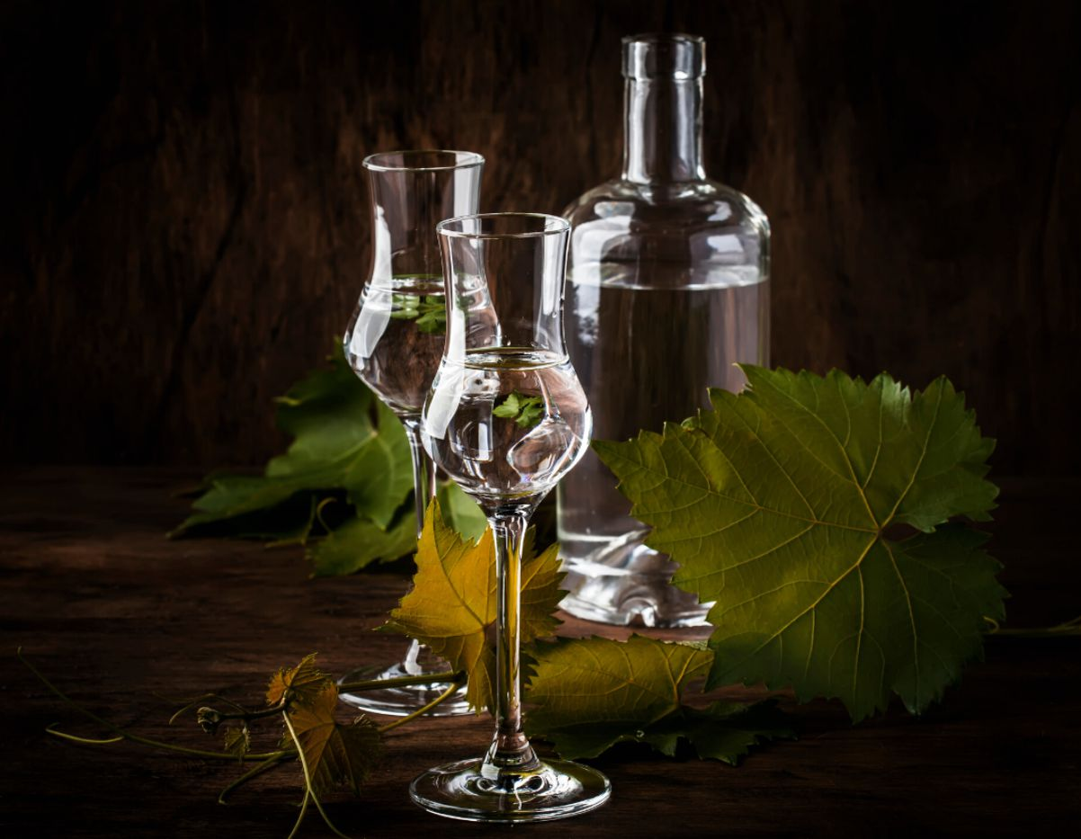transparent grappa glass